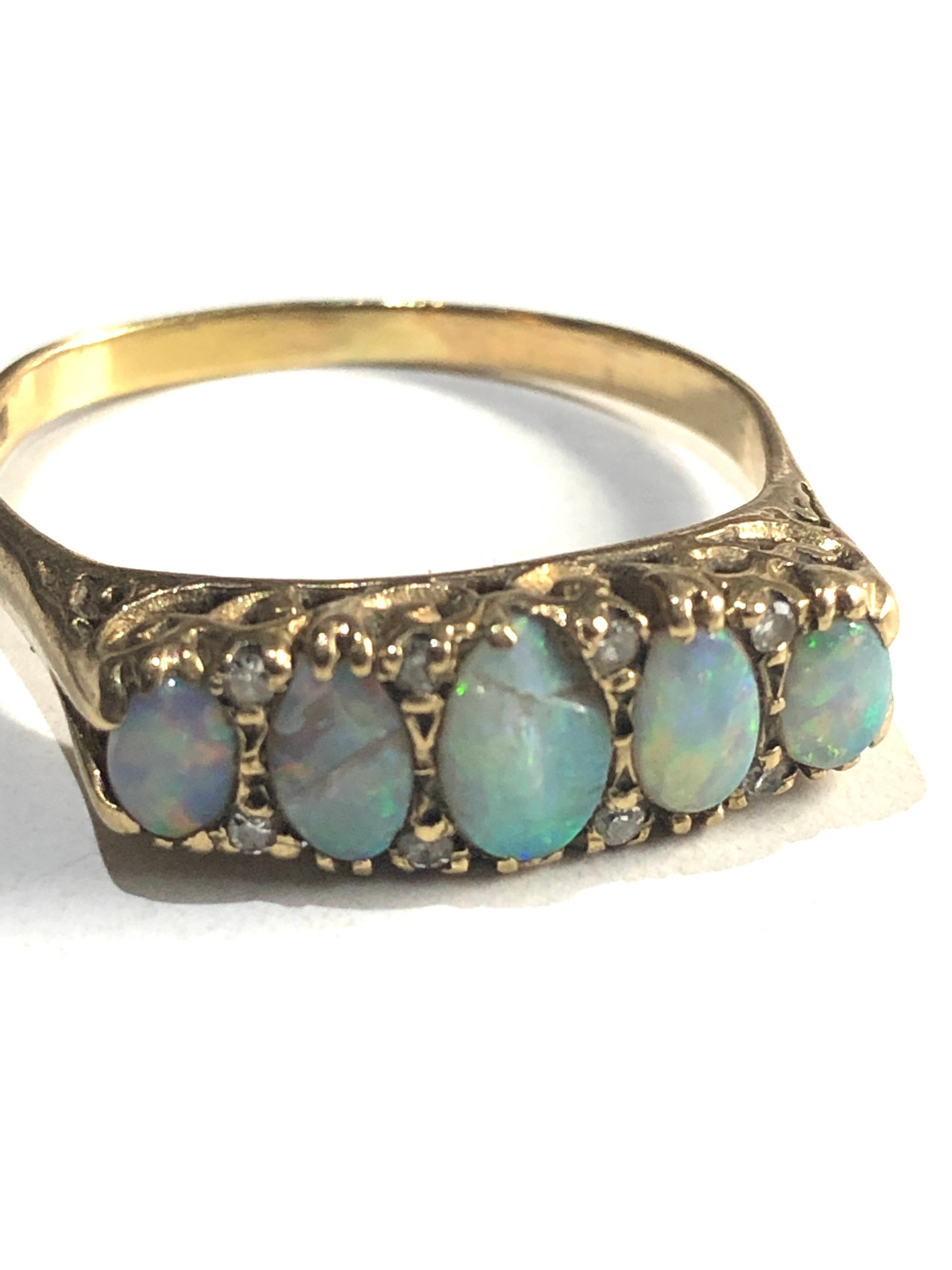 vintage 9ct Gold opal and diamond 5 stone ring *two opals are chipped - Image 2 of 3