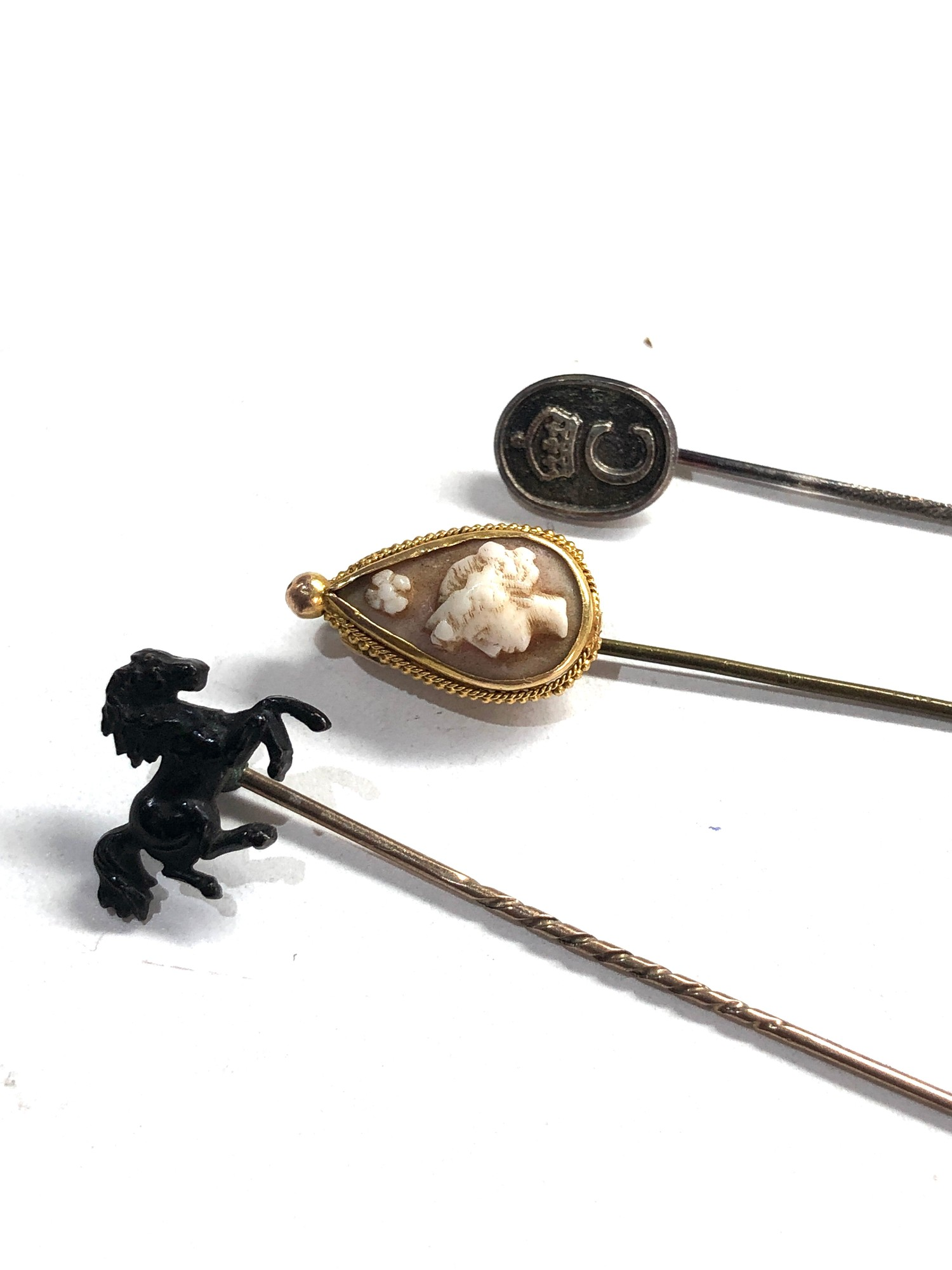 selection of misc jewellery items etc includes hat pins gold & pearl earrings and 14ct gold georg - Image 2 of 5