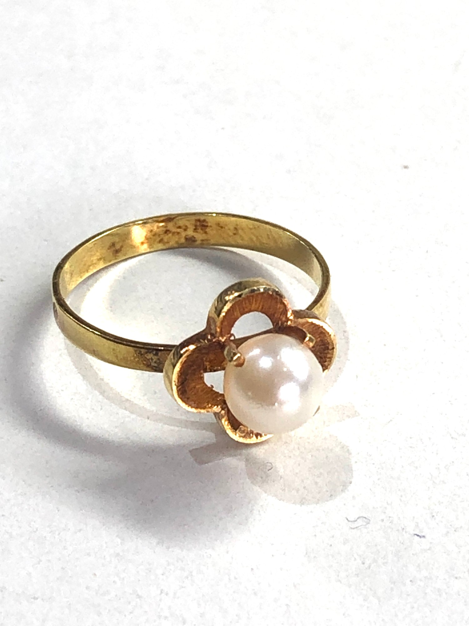 18ct pearl ring 1.7g