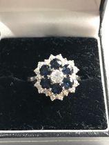 Fine 18ct white gold diamond & sapphire ring est 1.00ct diamonds centre diamond measures 4mm dia