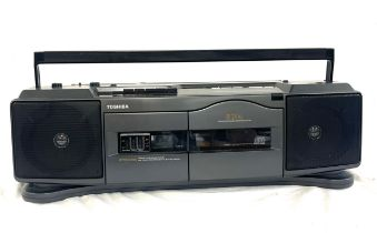 Toshiba dyna RT-8061 portable stereo, untested