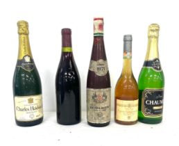 Selection 5 sealed bottles and wine and Champagne