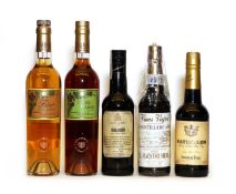 Assorted Sherry, to include Bodegas El Maestro Sierra, one half bottle and four others