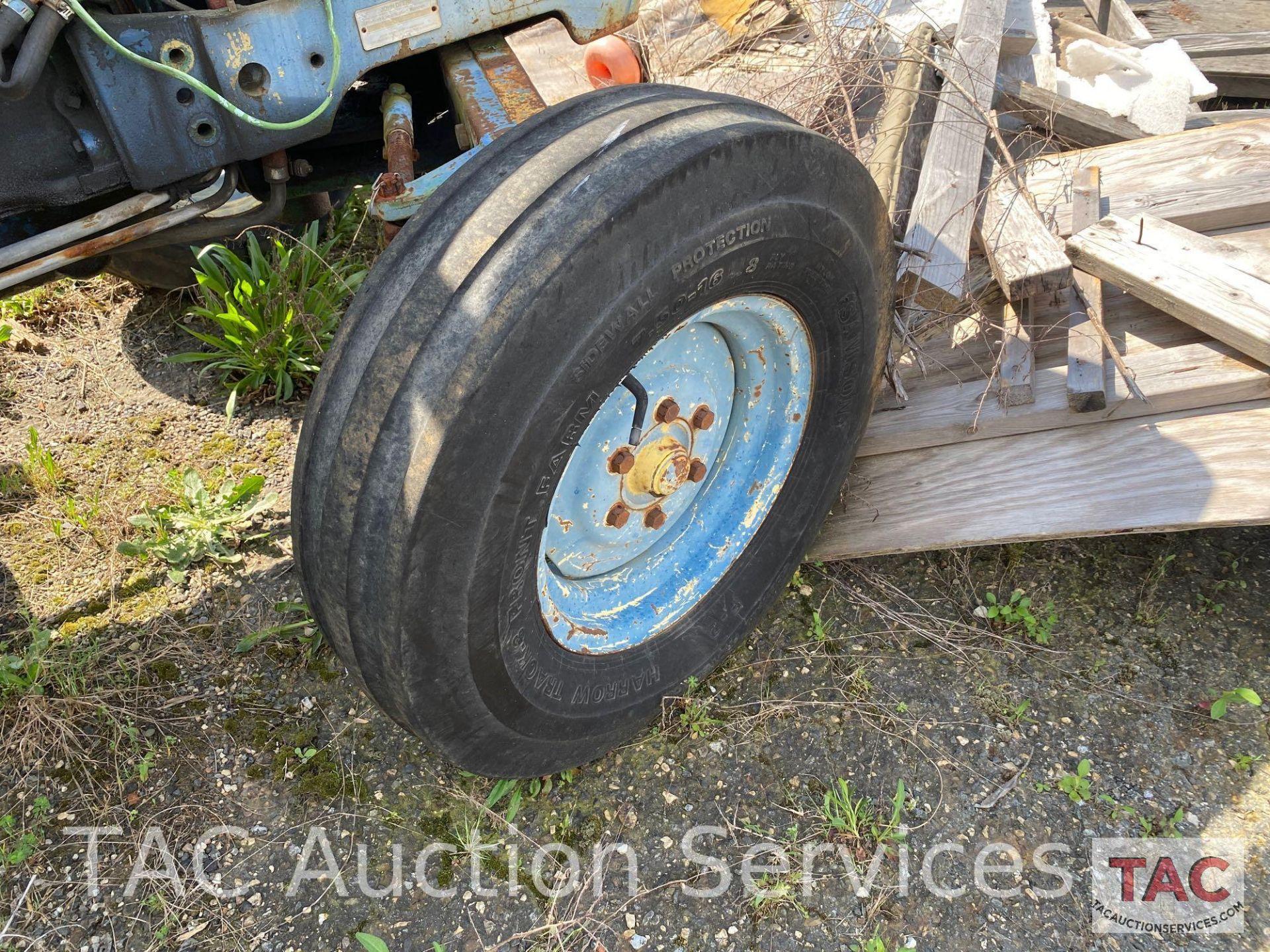 John Deere 2150 Farm Tractor - Image 31 of 34