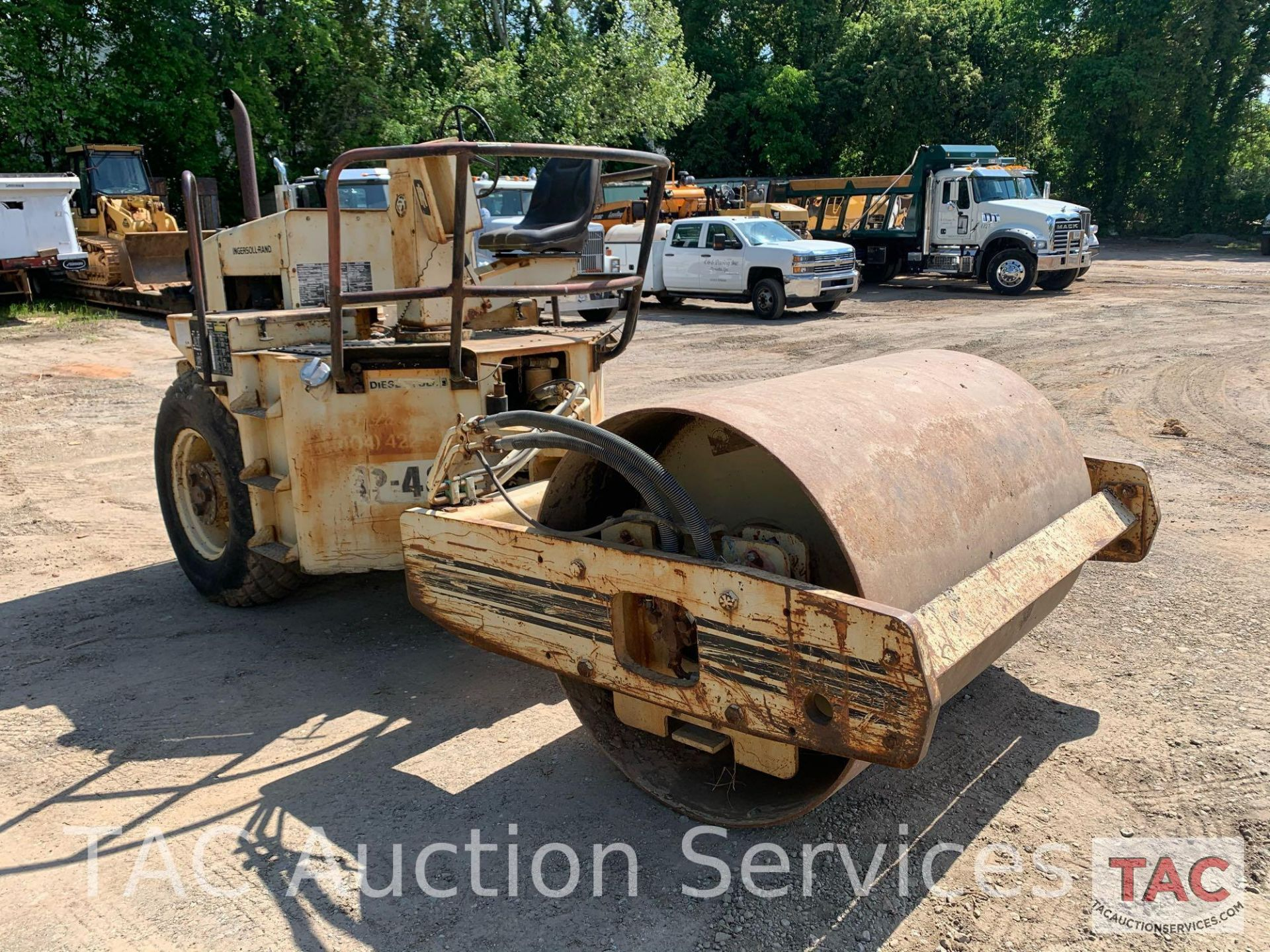 Ingersoll- Rand Vibratory Roller SP-48 - Image 3 of 36