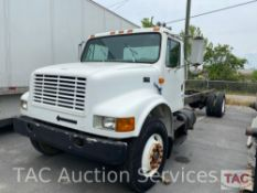 1990 International 4900 Cab and Chassis