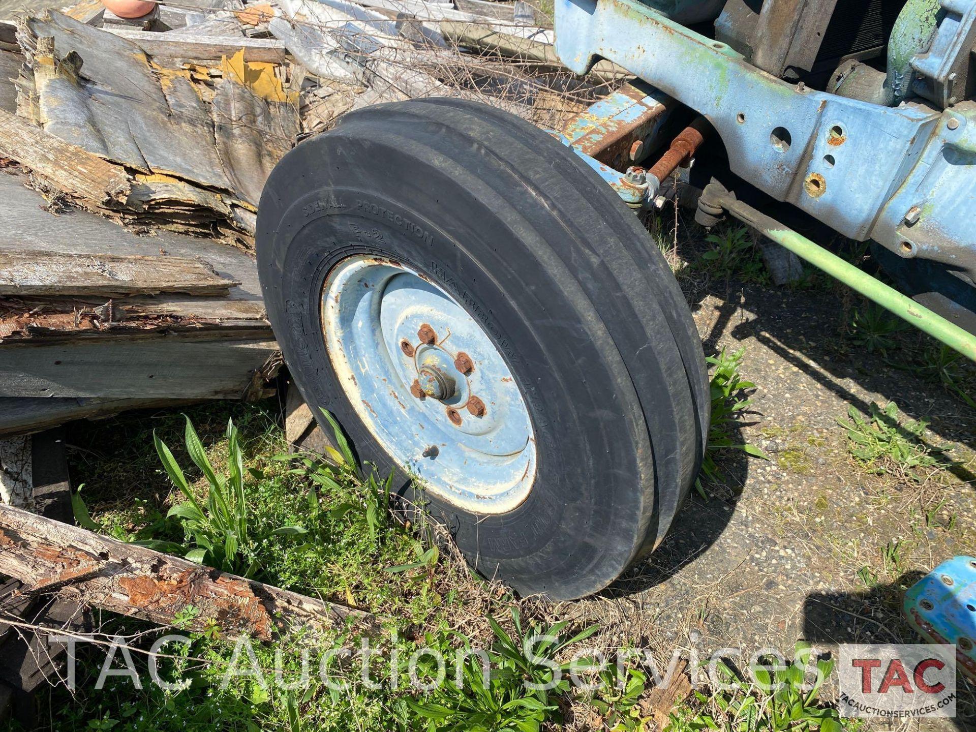 John Deere 2150 Farm Tractor - Image 32 of 34