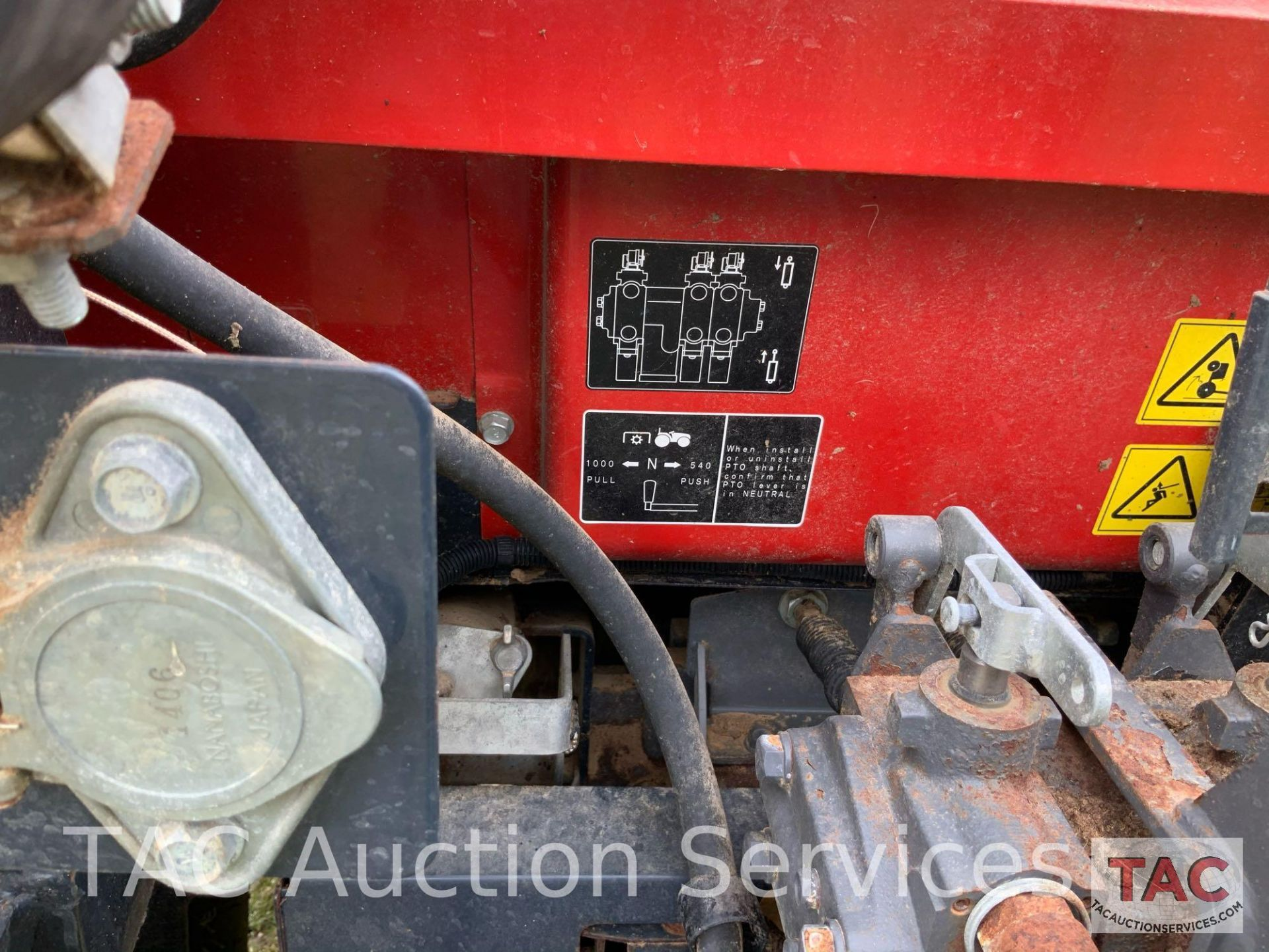 Massey-Ferguson 4610LP Farm Tractor - Image 22 of 26