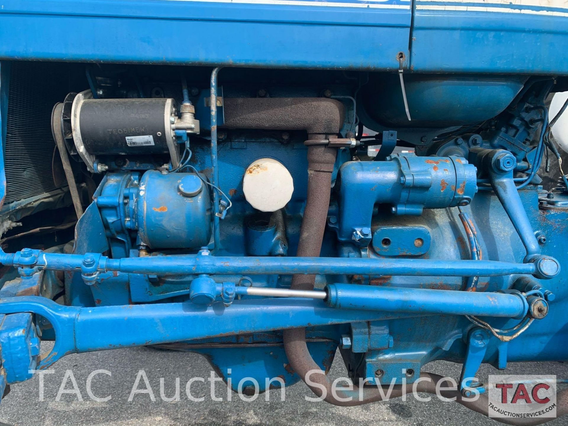 Ford 2000 Farm Tractor - Image 14 of 28