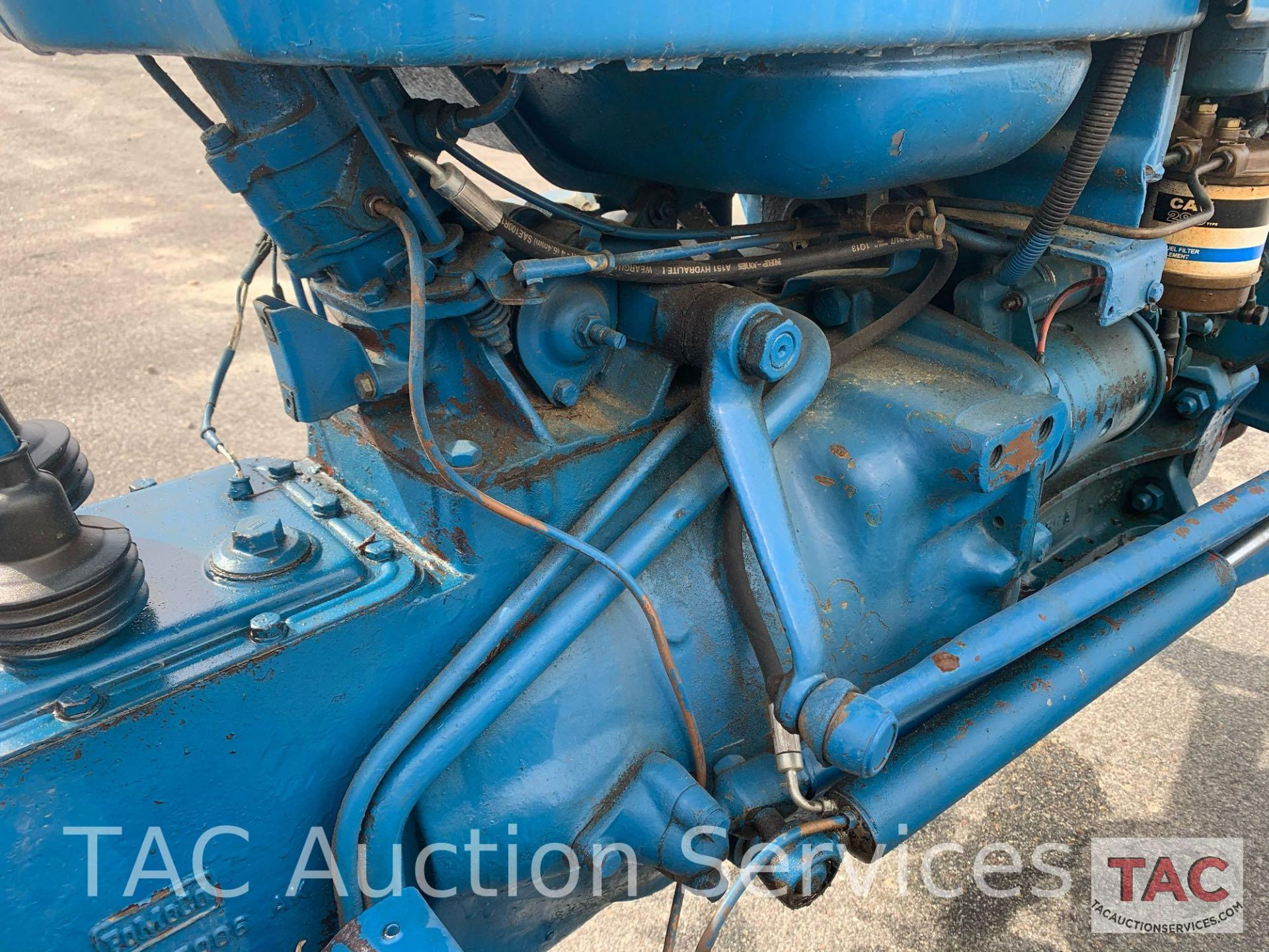 Ford 2000 Farm Tractor - Image 17 of 28
