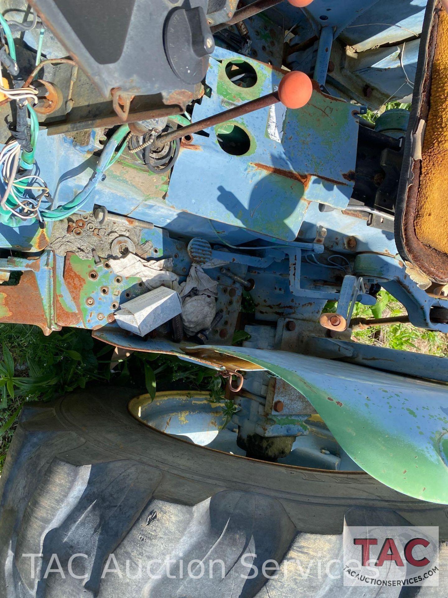 John Deere 2150 Farm Tractor - Image 16 of 34