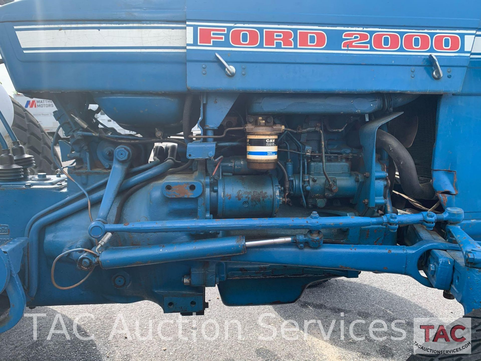 Ford 2000 Farm Tractor - Image 13 of 28