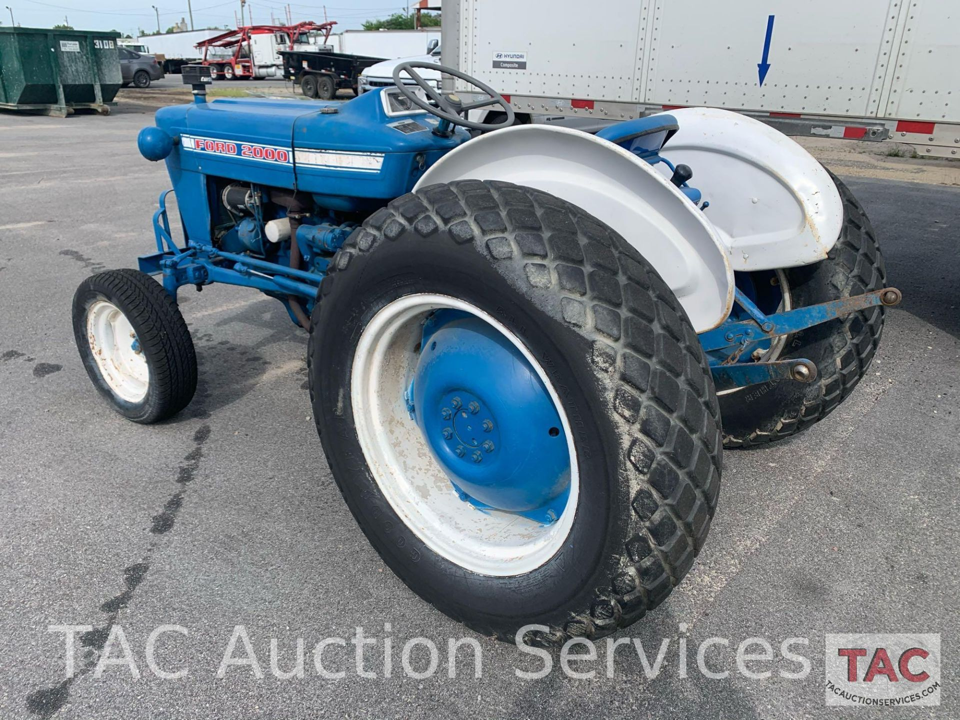 Ford 2000 Farm Tractor - Image 4 of 28