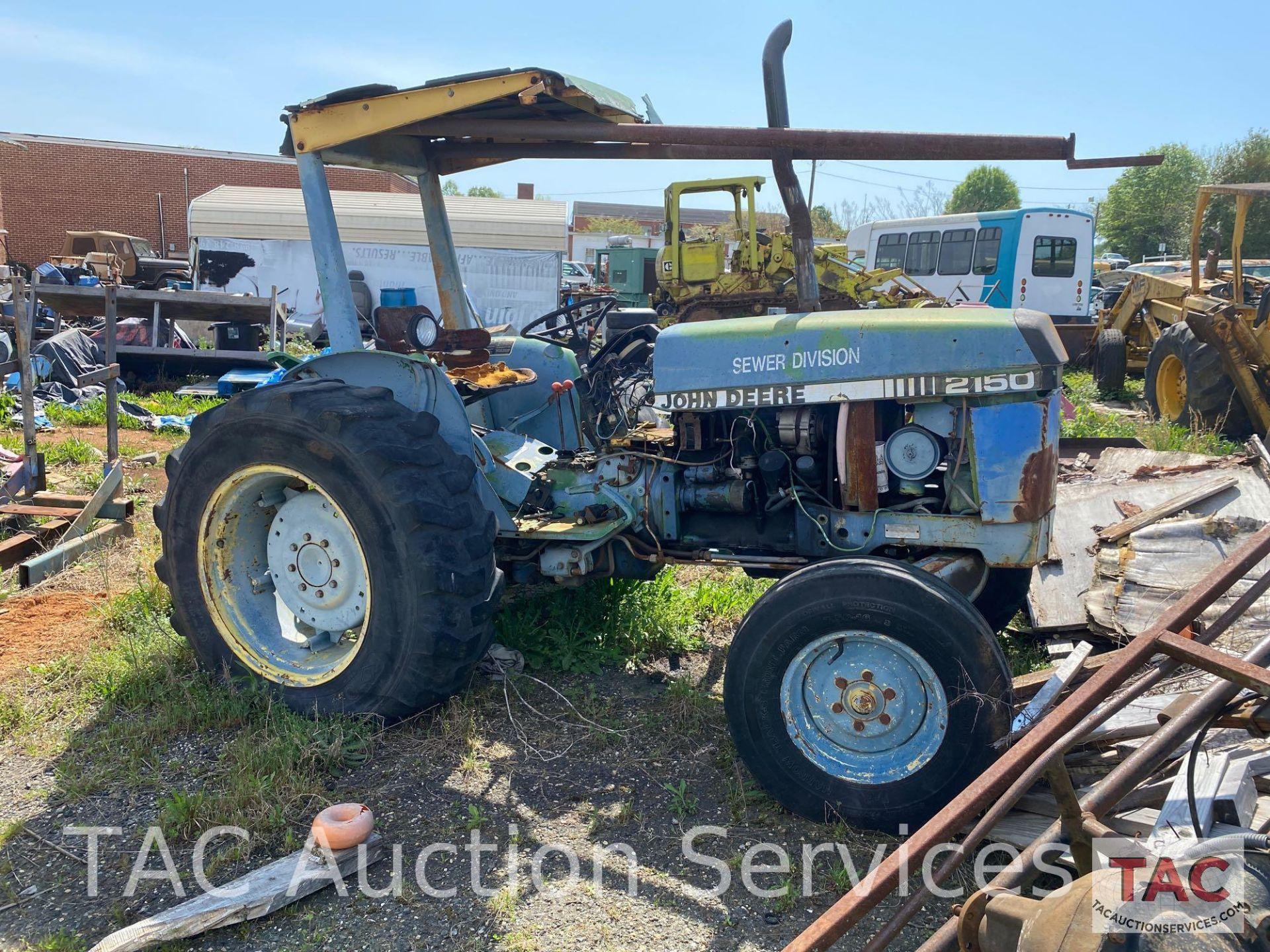 John Deere 2150 Farm Tractor - Image 2 of 34