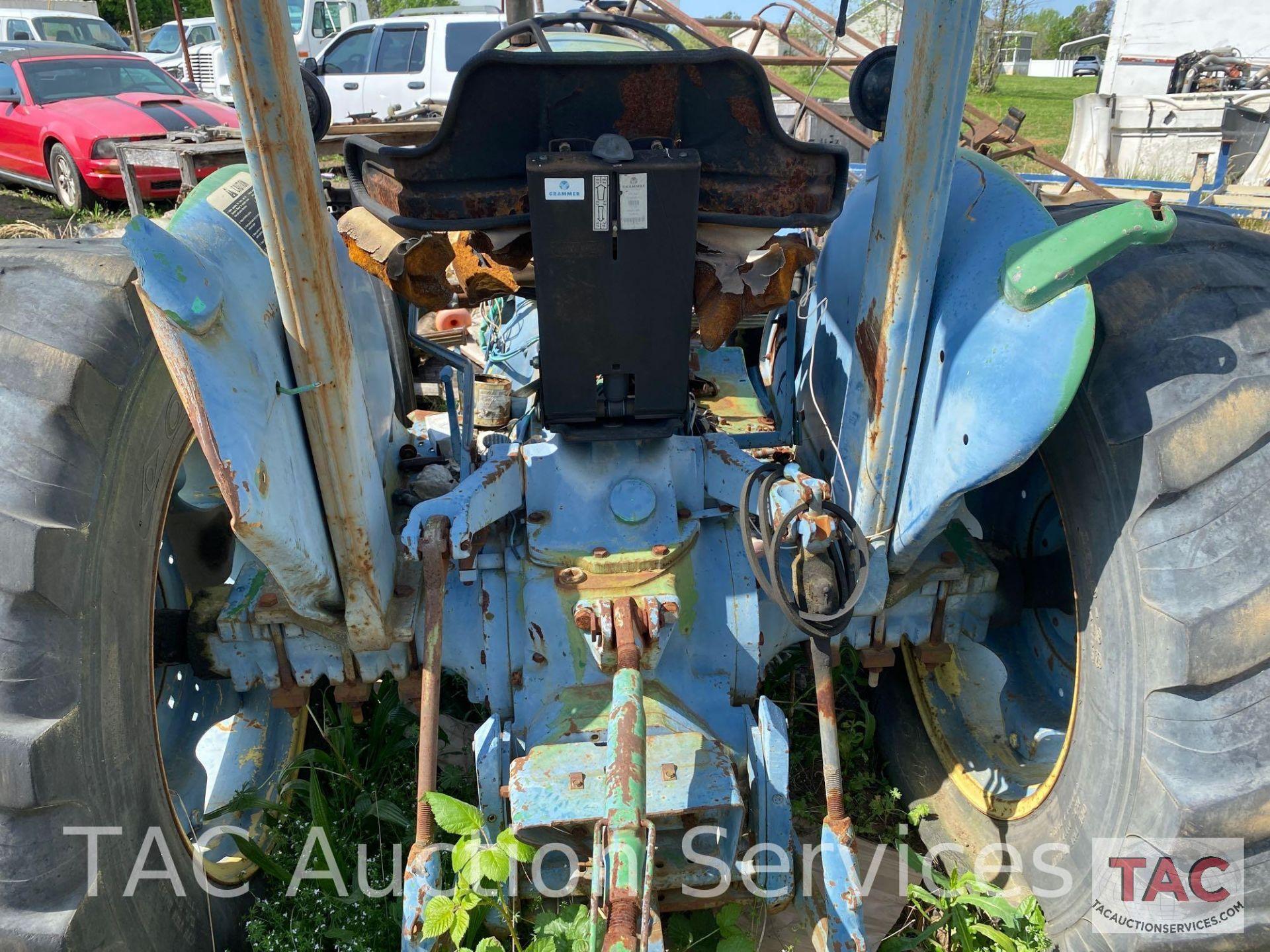 John Deere 2150 Farm Tractor - Image 11 of 34