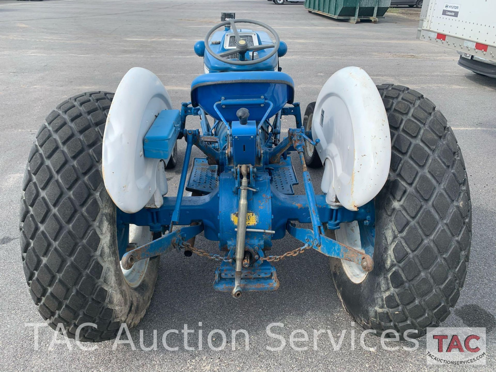 Ford 2000 Farm Tractor - Image 5 of 28