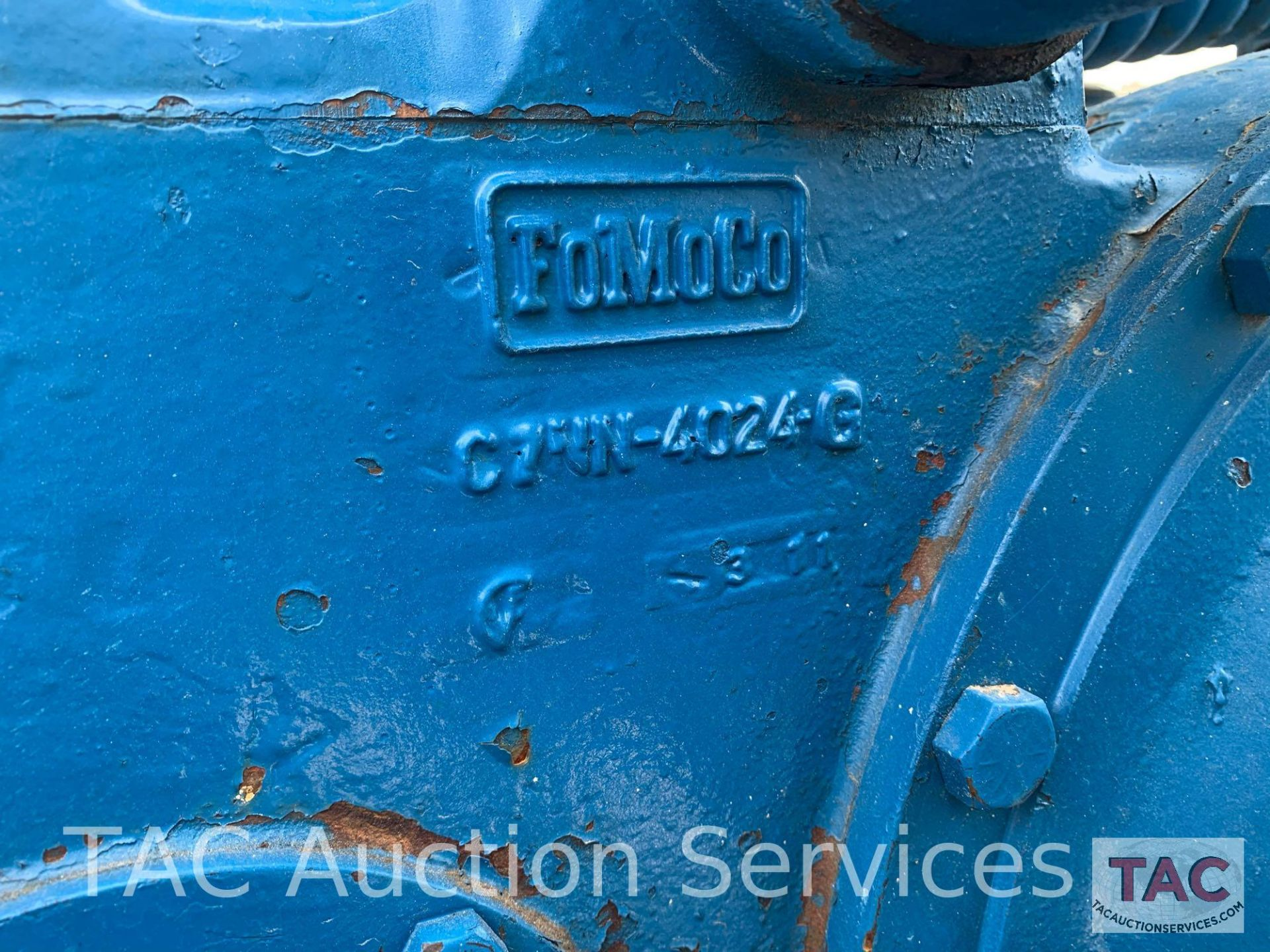 Ford 2000 Farm Tractor - Image 28 of 28