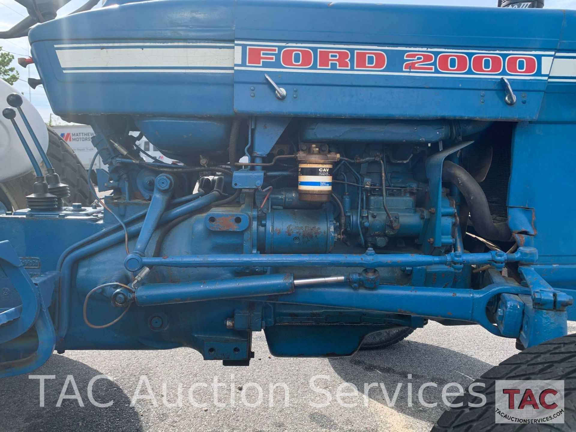 Ford 2000 Farm Tractor - Image 12 of 28
