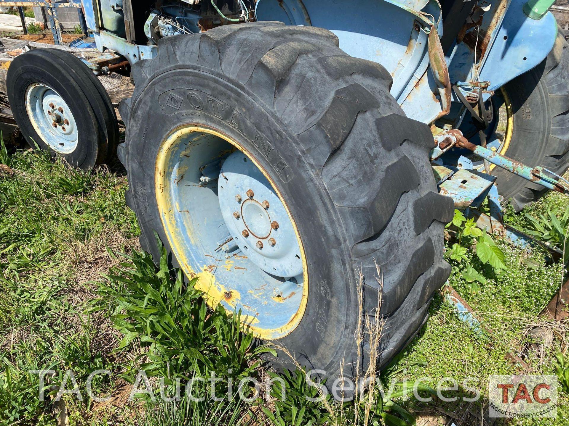 John Deere 2150 Farm Tractor - Image 29 of 34