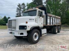 2000 International Paystar 5000 Dump Truck