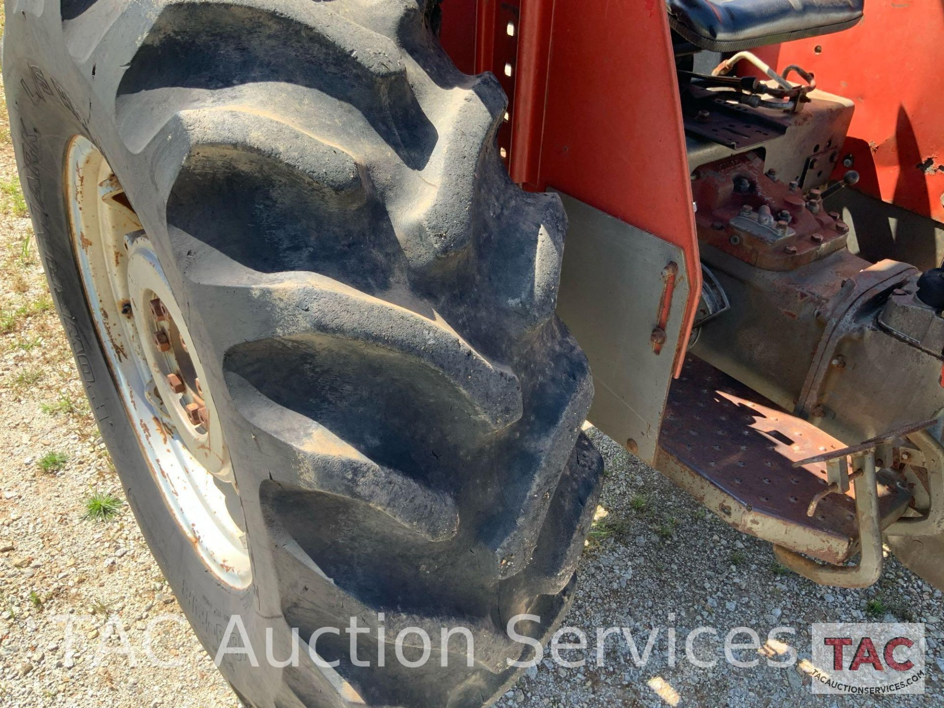 Massey Ferguson 265 FarmTractor - Image 20 of 23