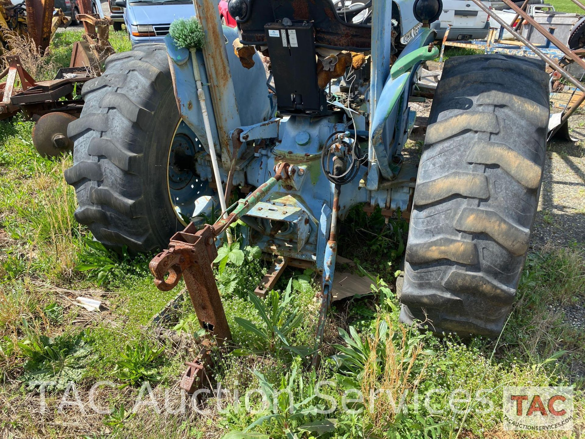 John Deere 2150 Farm Tractor - Image 9 of 34
