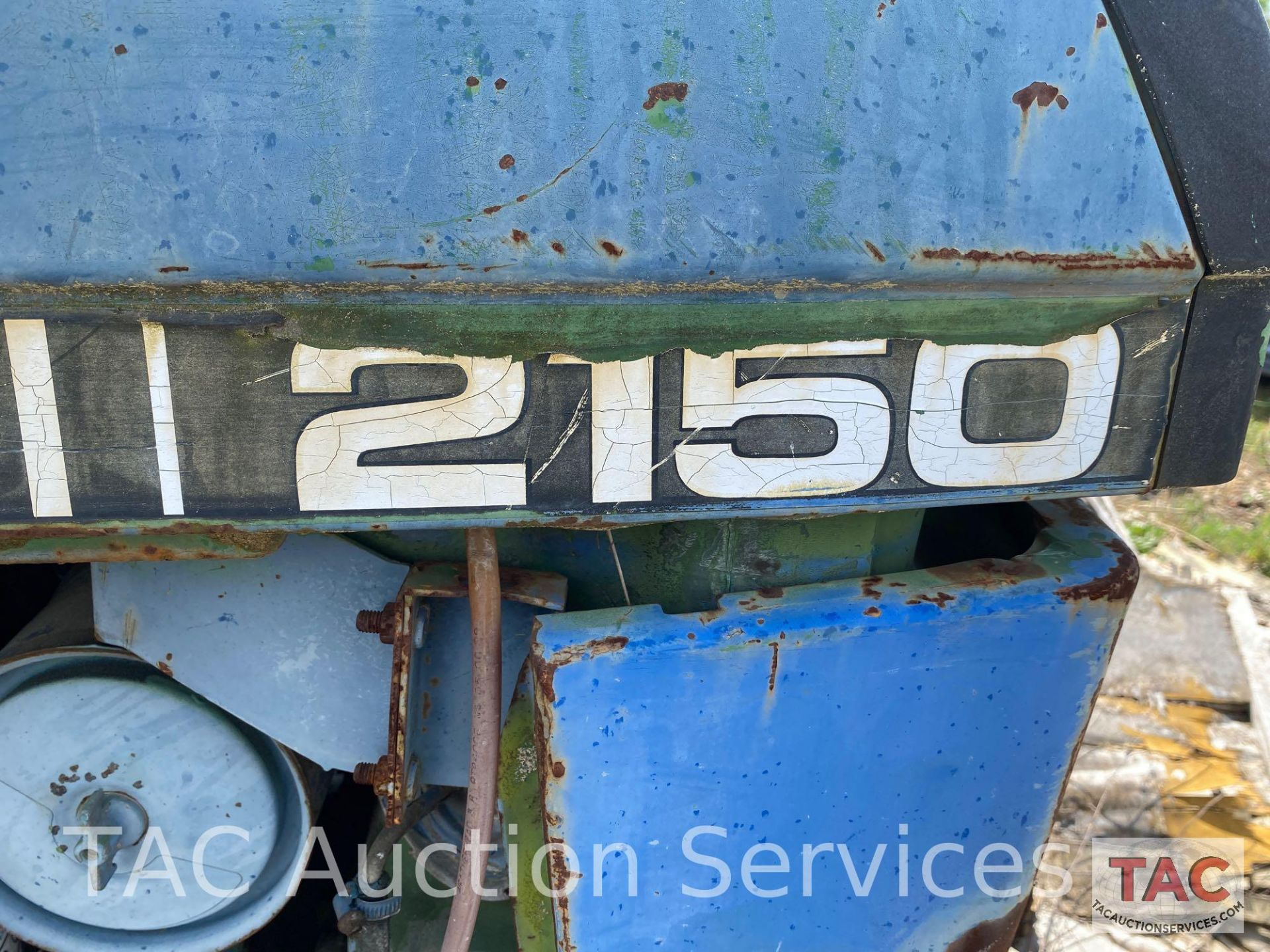 John Deere 2150 Farm Tractor - Image 8 of 34