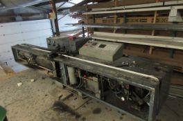 Lisec LBH – 25V butyl seal machine