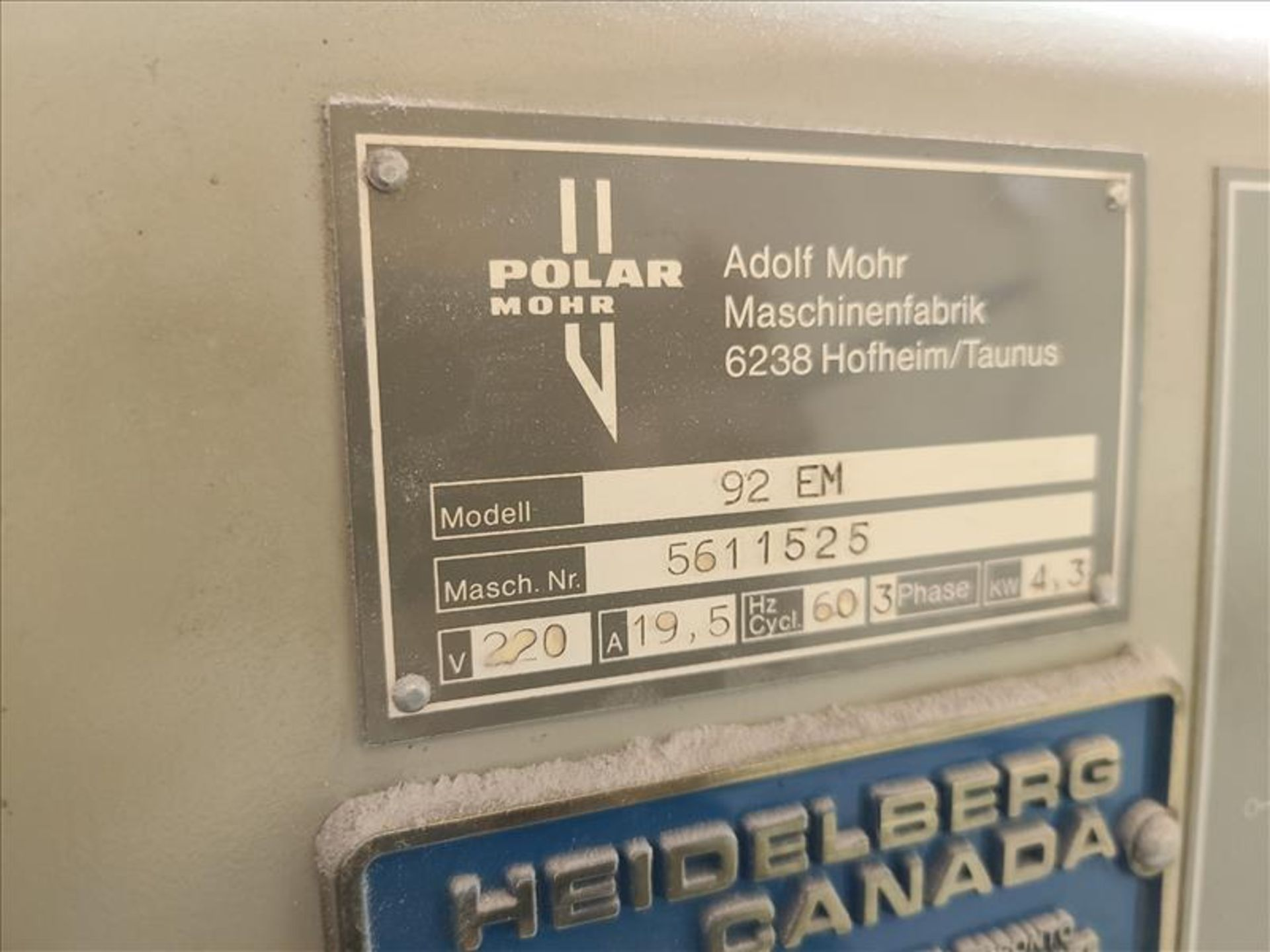 Polar Mohr Guillotine, model 92EM, S/N. 5611525, w/ 3' infeed, 220V, 19.5 amps, 3 Phase - Image 3 of 3