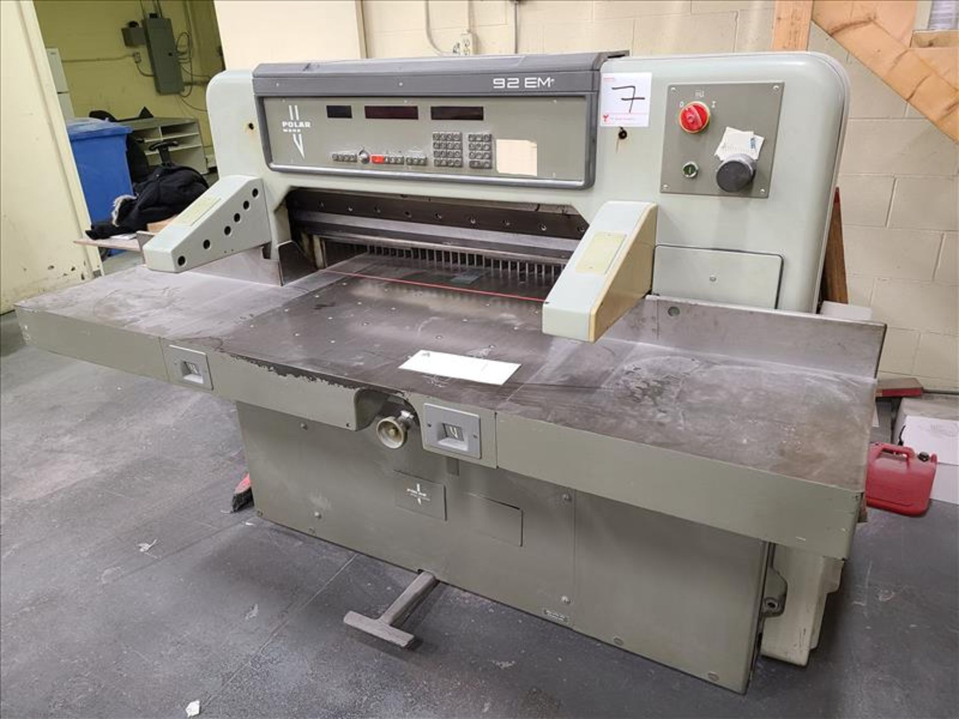 Polar Mohr Guillotine, model 92EM, S/N. 5611525, w/ 3' infeed, 220V, 19.5 amps, 3 Phase