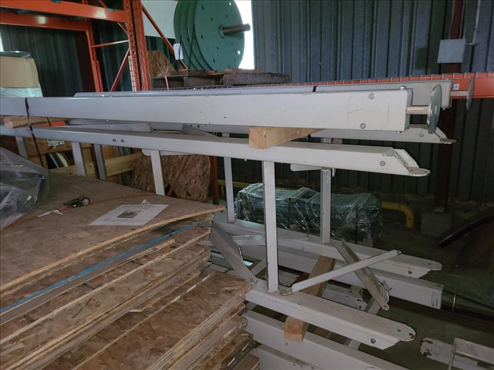 [LOT] conveyor frame [Storage Shed] - Image 3 of 3