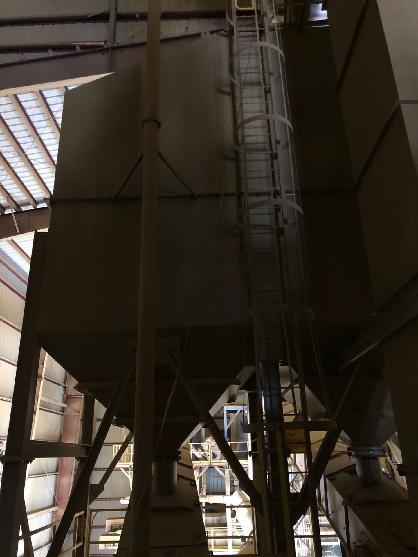 100-Ton 3-Bay Surge Bin; Steel Structure Mounted; with (3) Tapered Bottom Discharges; - Subj to Bulk - Image 2 of 2