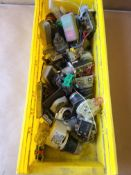 LOT OF PUSHBUTTONS, SELECTOR SWITCHES AND MORE PARTS