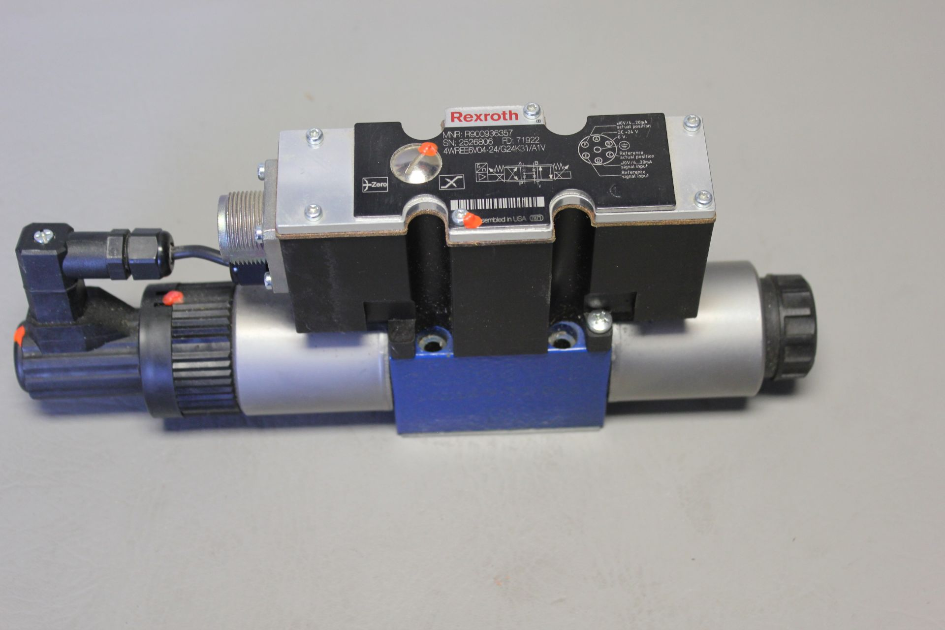 NEW REXROTH HYDRAULIC PROPORTIONAL VALVE