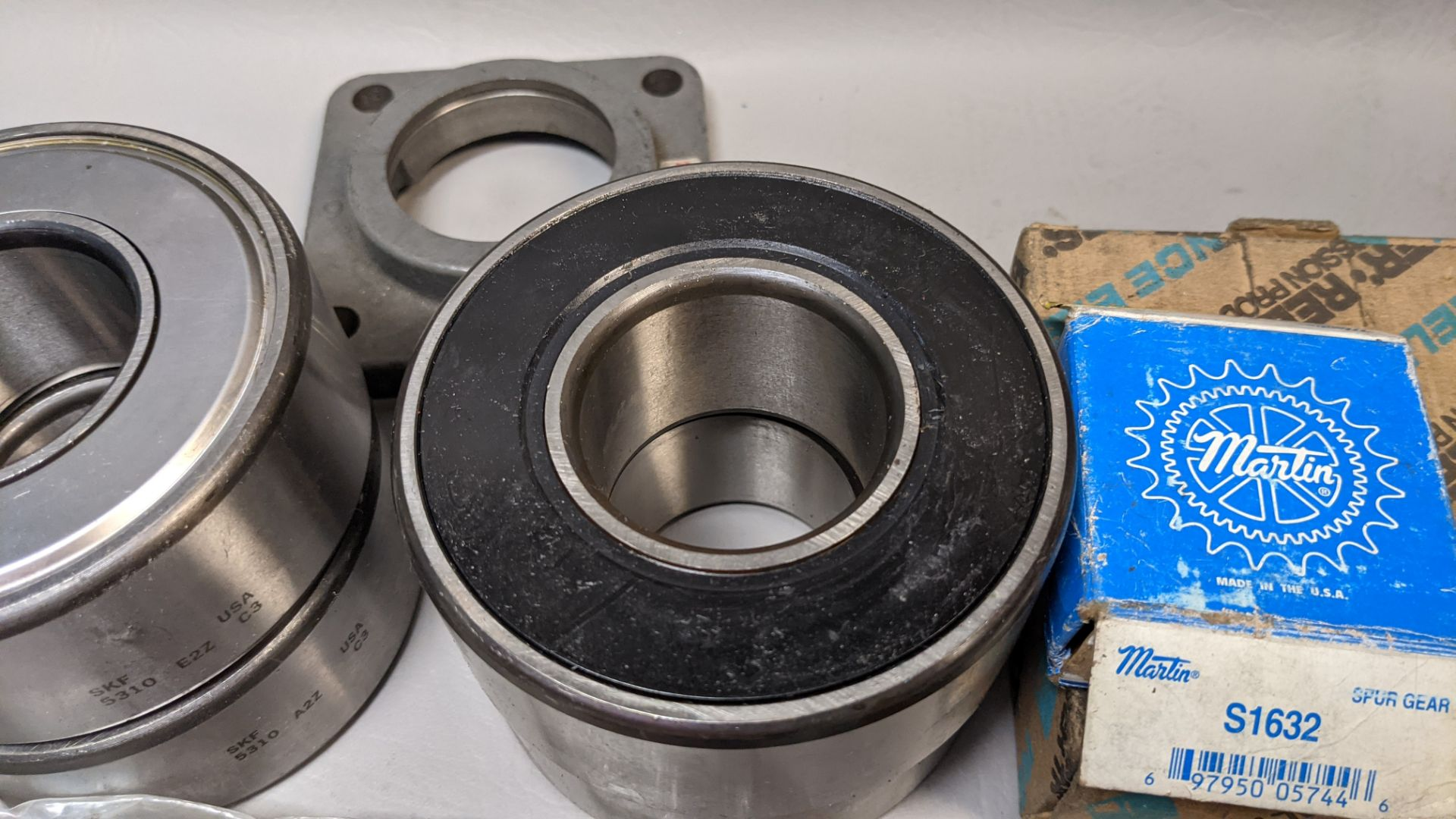 LOT F OBEARINGS AND SPROCKETS - Image 4 of 7