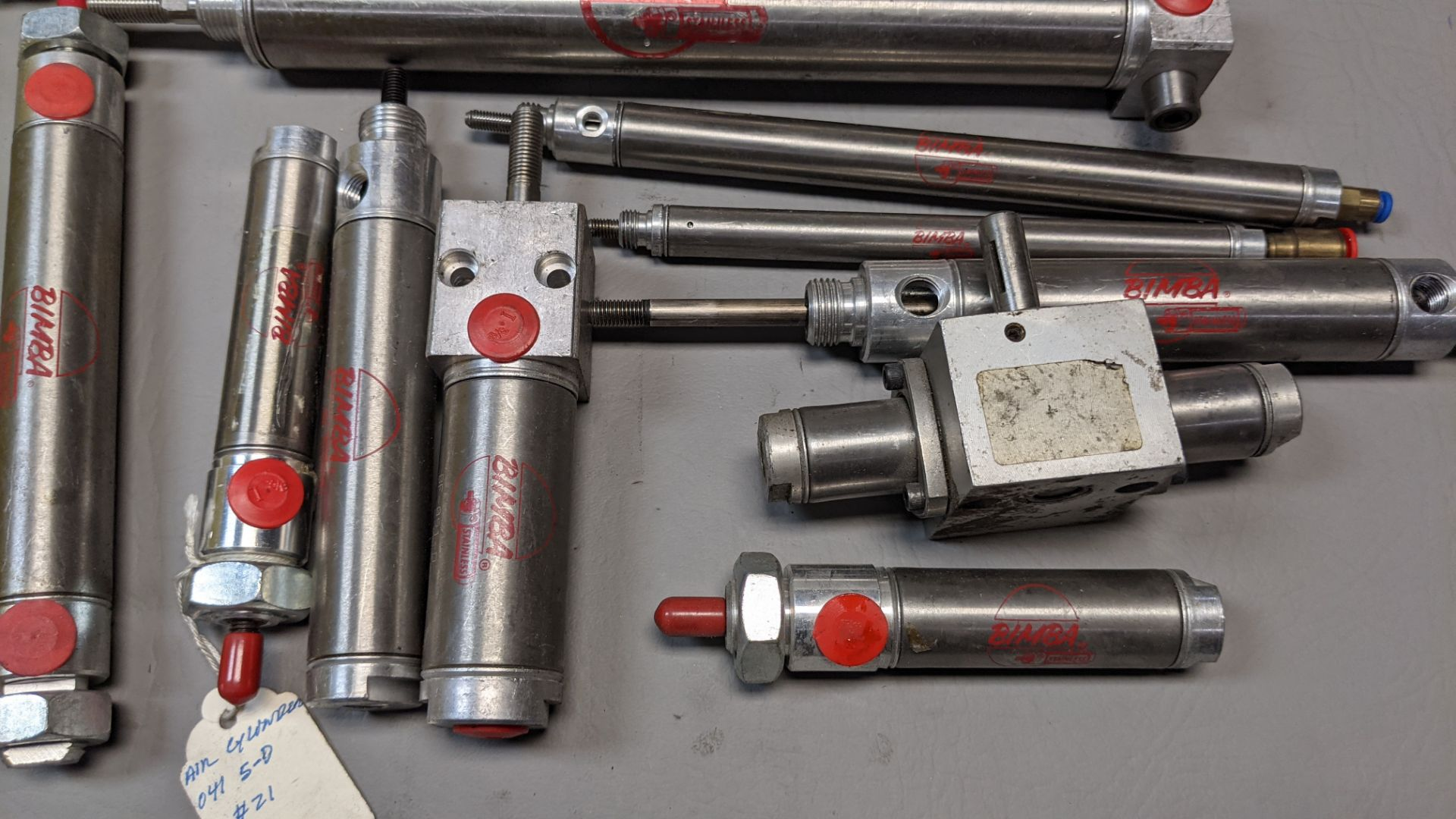 LARGE LOT OF PNEUMATIC CYLINDERS - Image 2 of 7