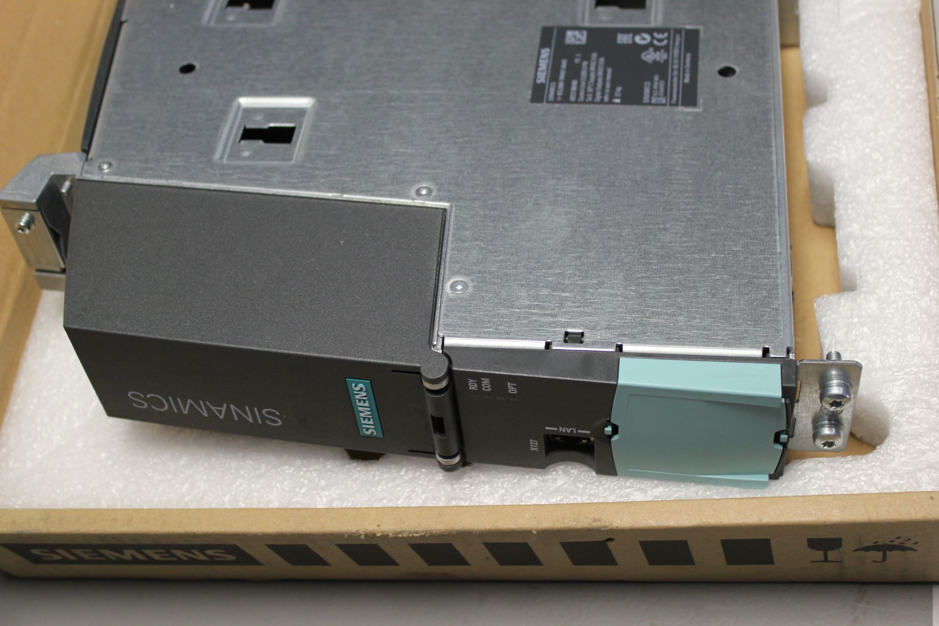 NEW SIEMENS SINAMICS FREQUENCY CONVERTER CONTROL UNIT - Image 6 of 6