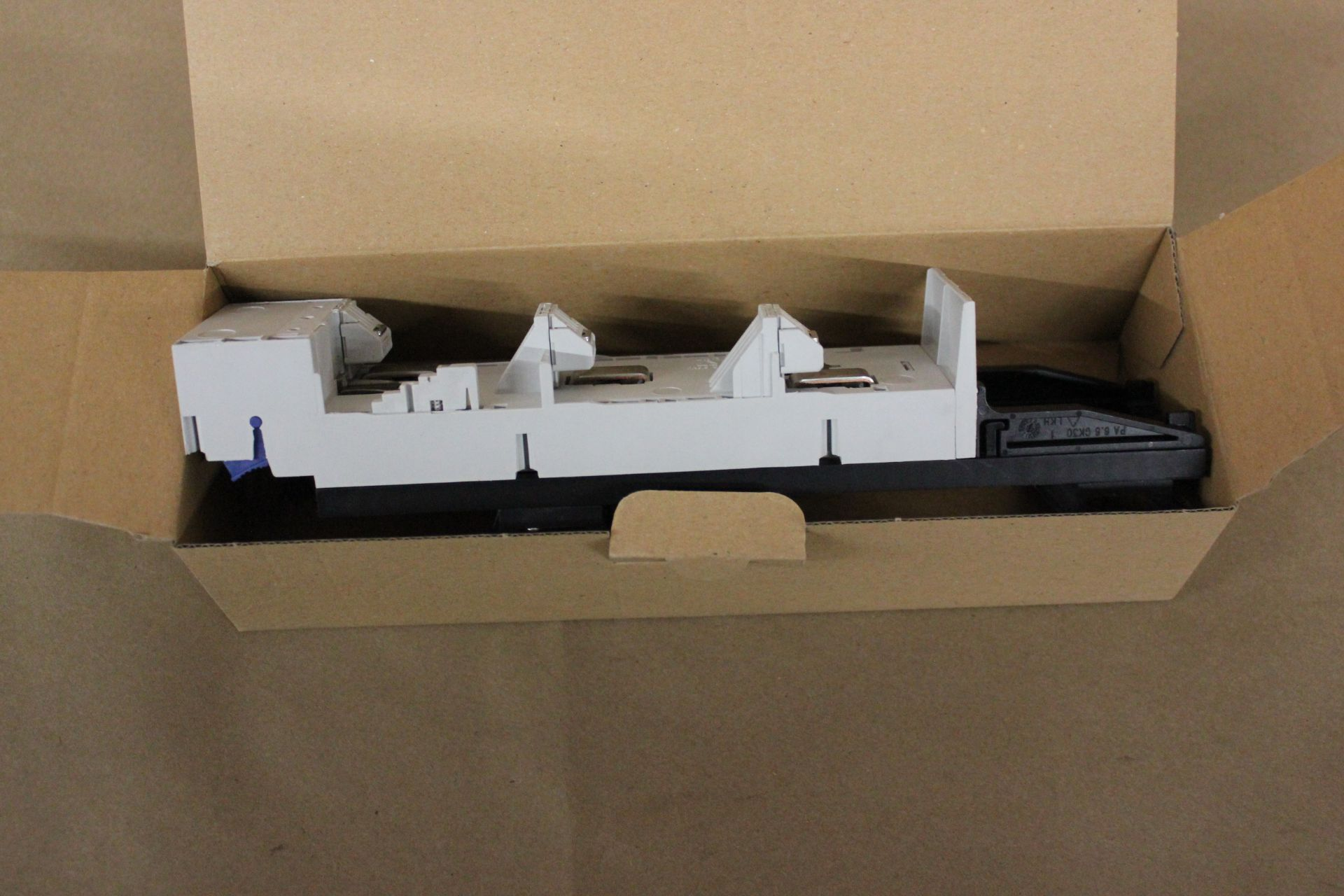 NEW RITTAL BUSBAR ADAPTER - Image 3 of 3