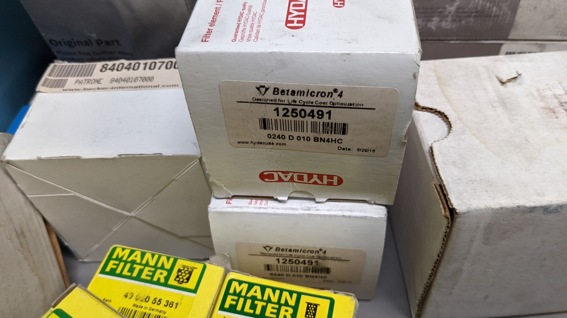 LARGE LOT OF VARIOUS NEW INDUSTRIAL FILTERS - Image 7 of 14