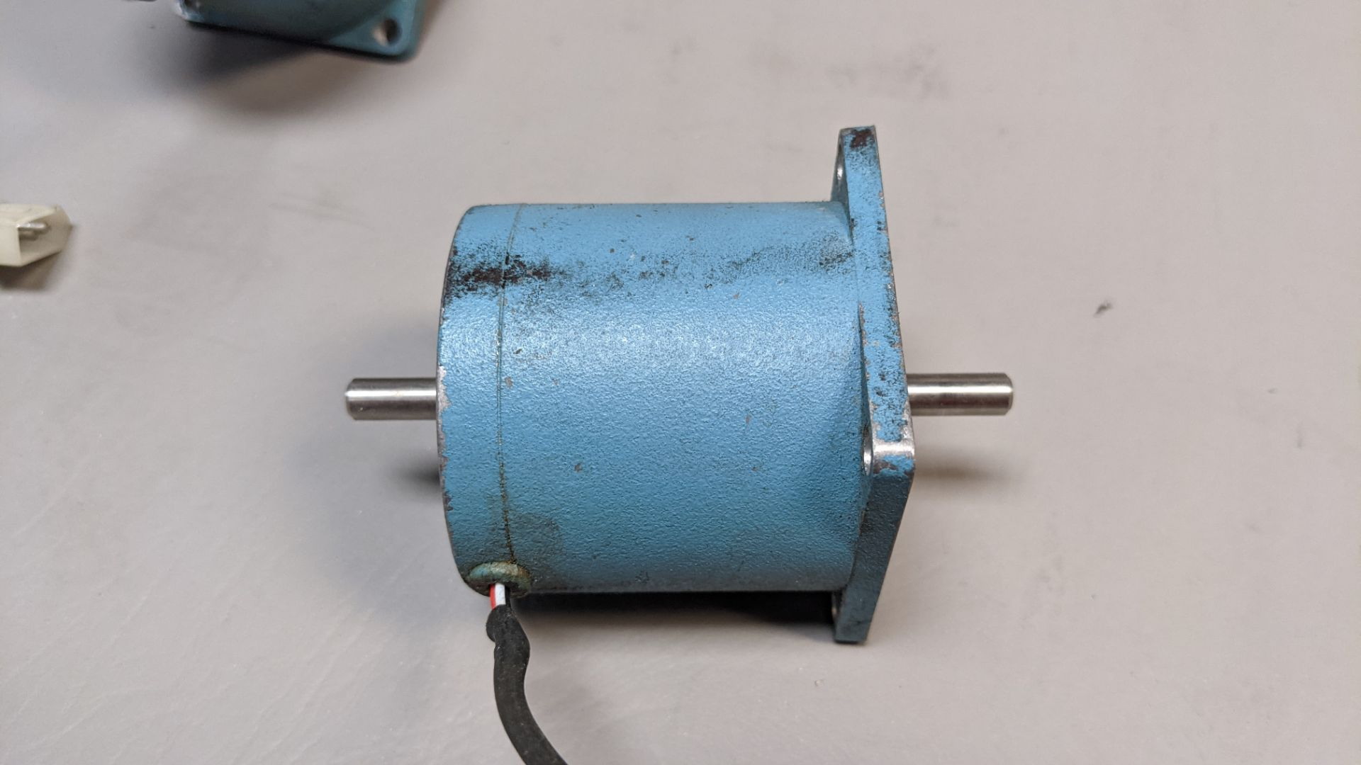 LOT OF 2 SUPERIOR ELECTRIC STEPPER MOTORS - Image 3 of 4