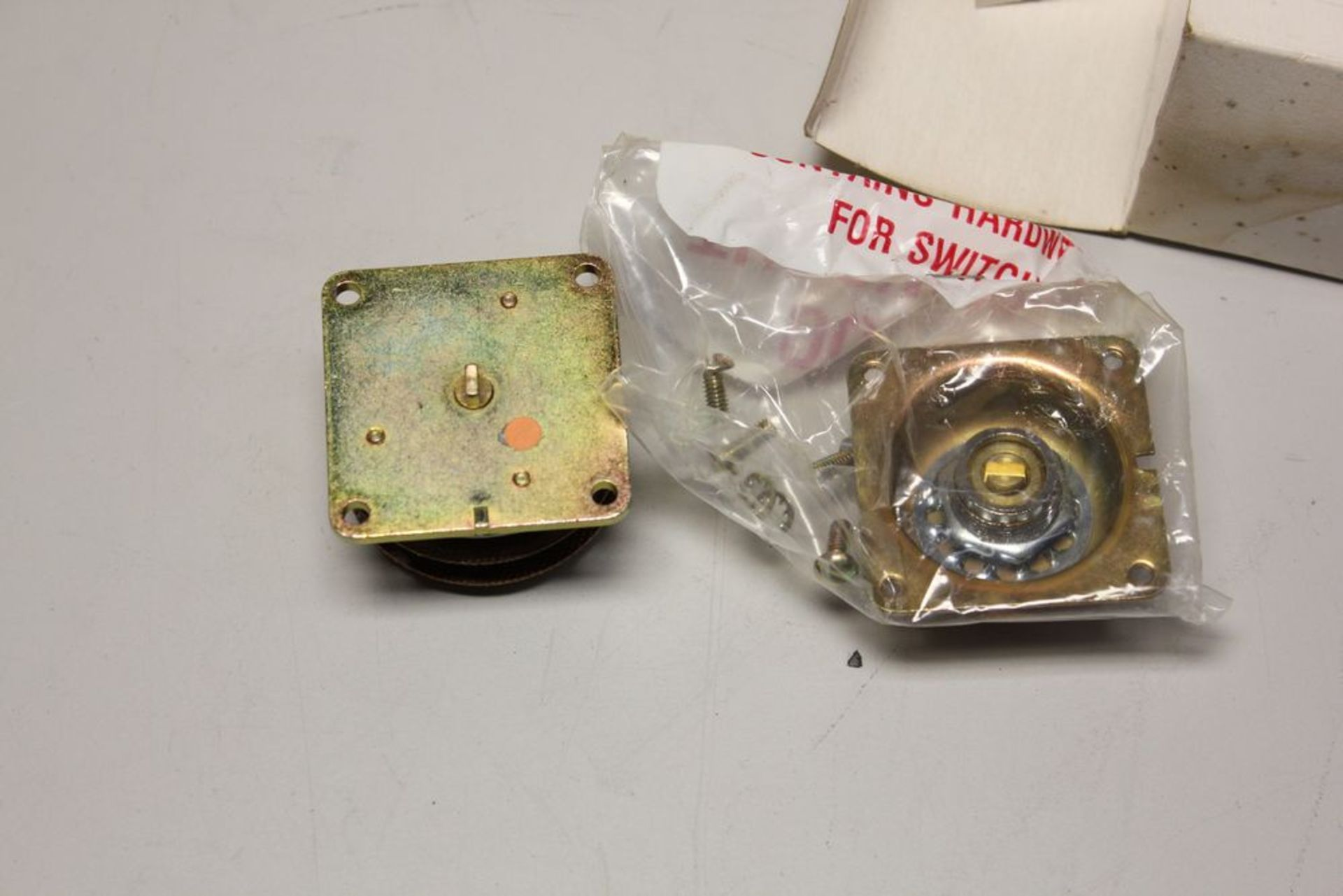 NEW ELECTROSWITCH ROTARY SWITCH - Image 3 of 8