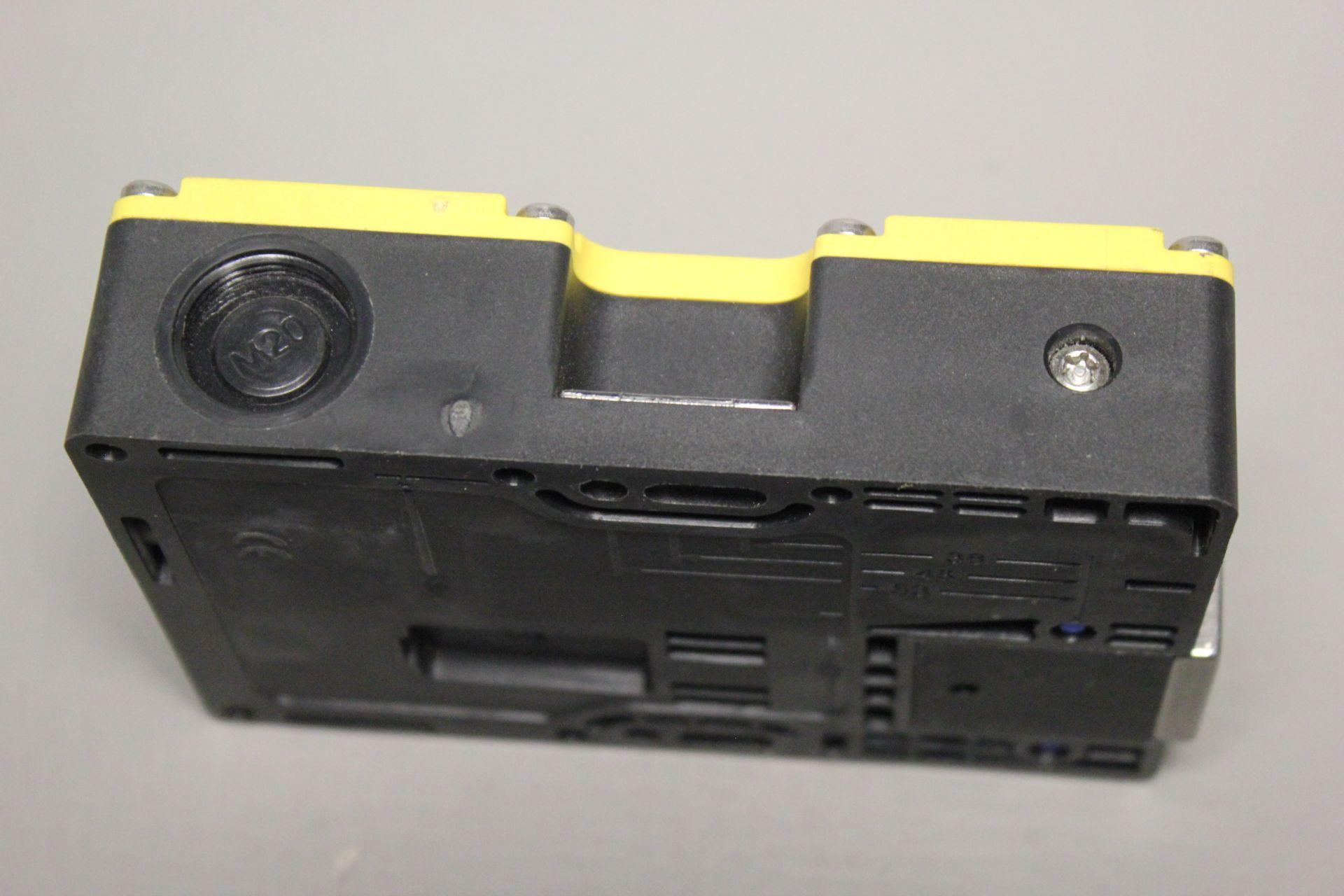 SICK i200 SAFETY INTERLOCK SWITCH - Image 3 of 3