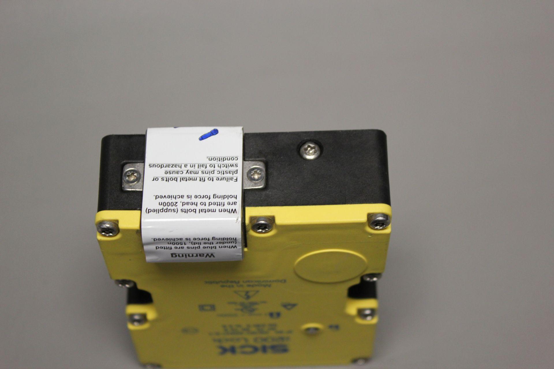 UNUSED SICK i200 SAFETY INTERLOCK SWITCH - Image 4 of 4