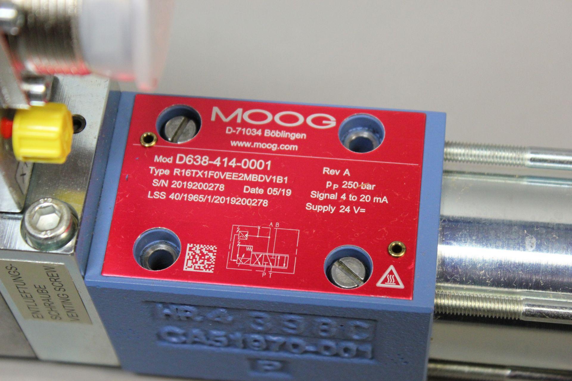 NEW MOOG DIRECT DRIVE DIGITAL CONTROL HYDRAULIC SERVO VALVE - Image 6 of 12