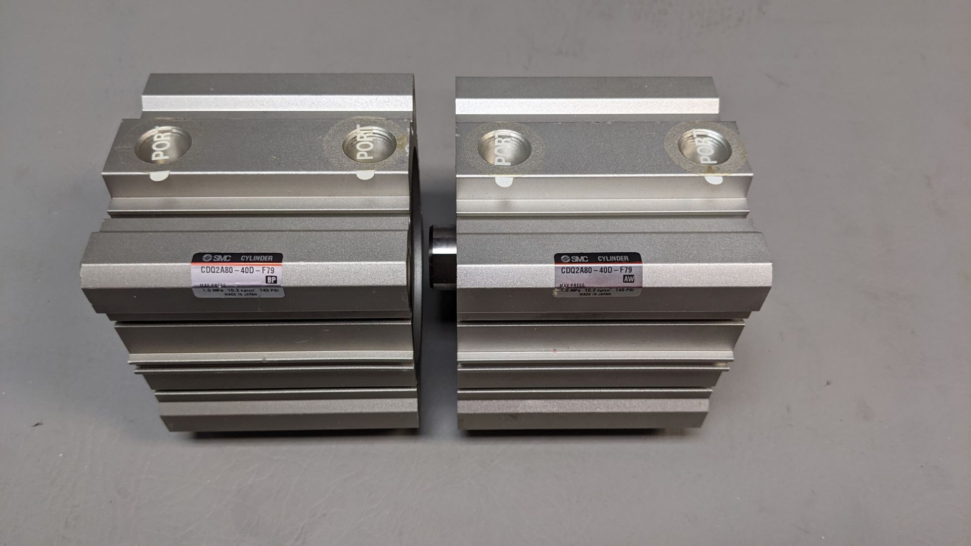 2 NEW SMC PNEUMATIC CYLINDERS