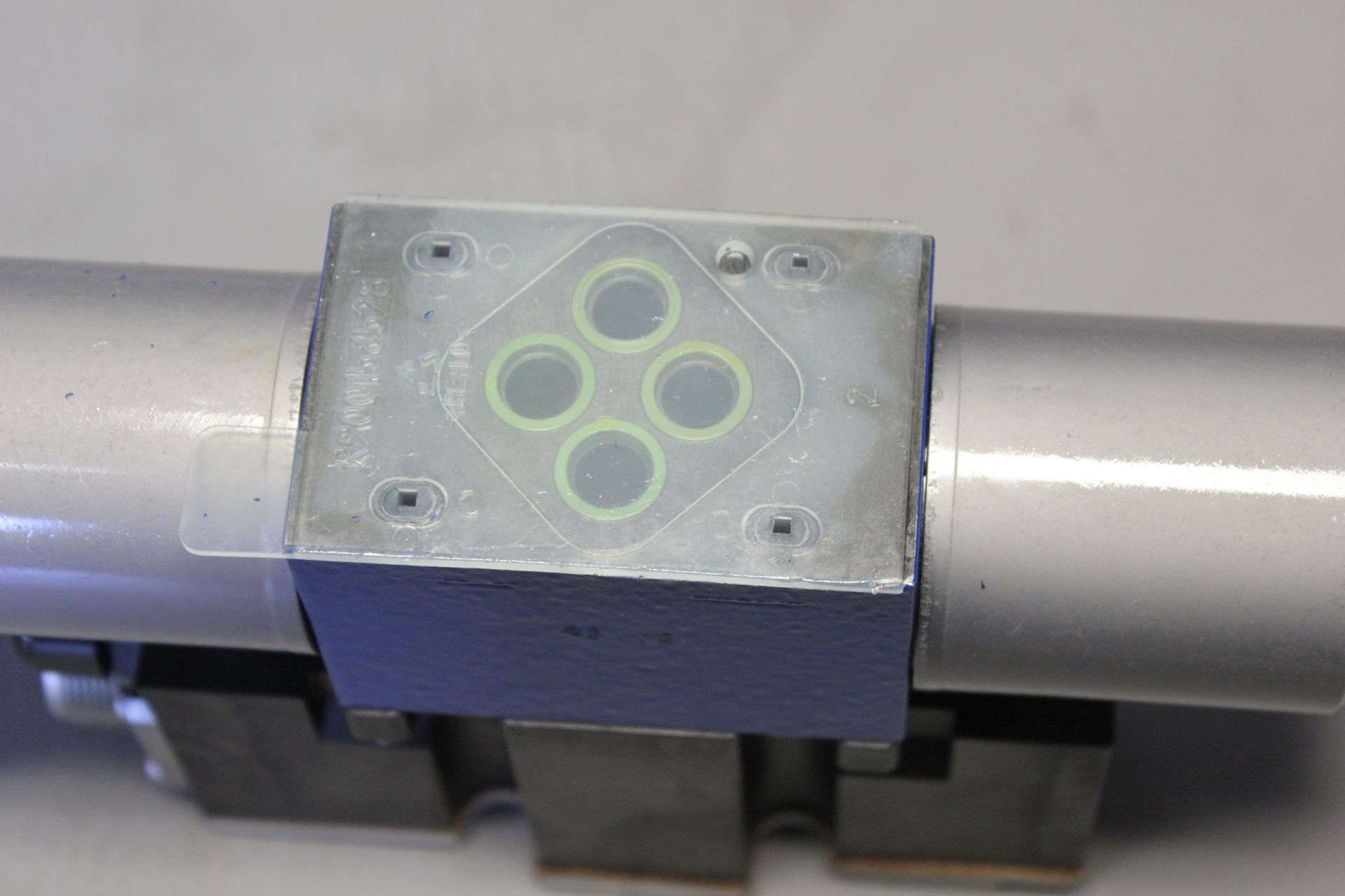 NEW REXROTH HYDRAULIC PROPORTIONAL VALVE - Image 5 of 6