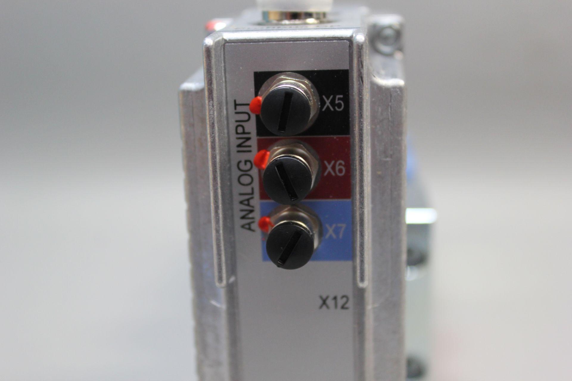 NEW MOOG DIRECT DRIVE DIGITAL CONTROL HYDRAULIC SERVO VALVE - Image 10 of 15