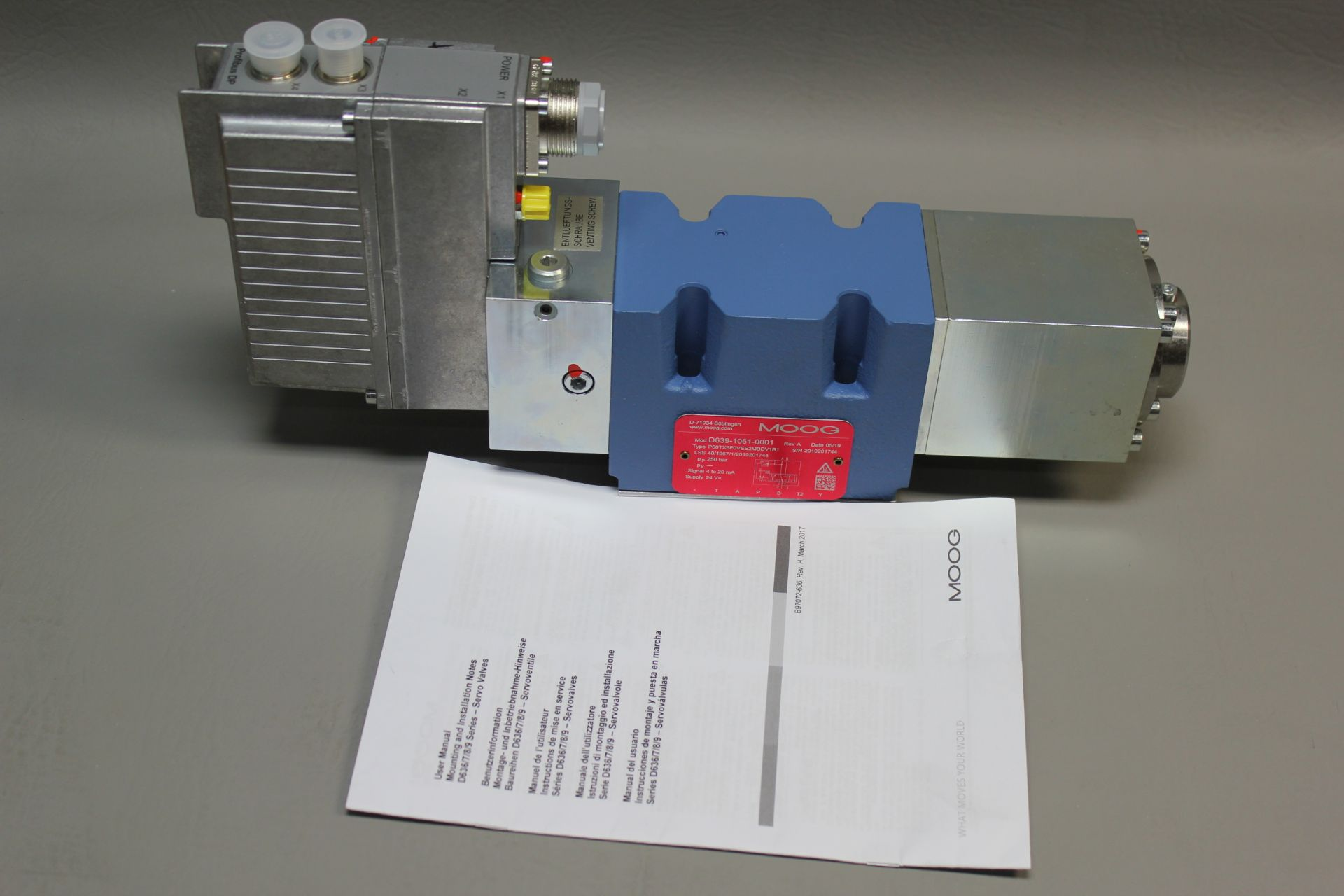 NEW MOOG DIRECT DRIVE DIGITAL CONTROL HYDRAULIC SERVO VALVE - Image 4 of 15