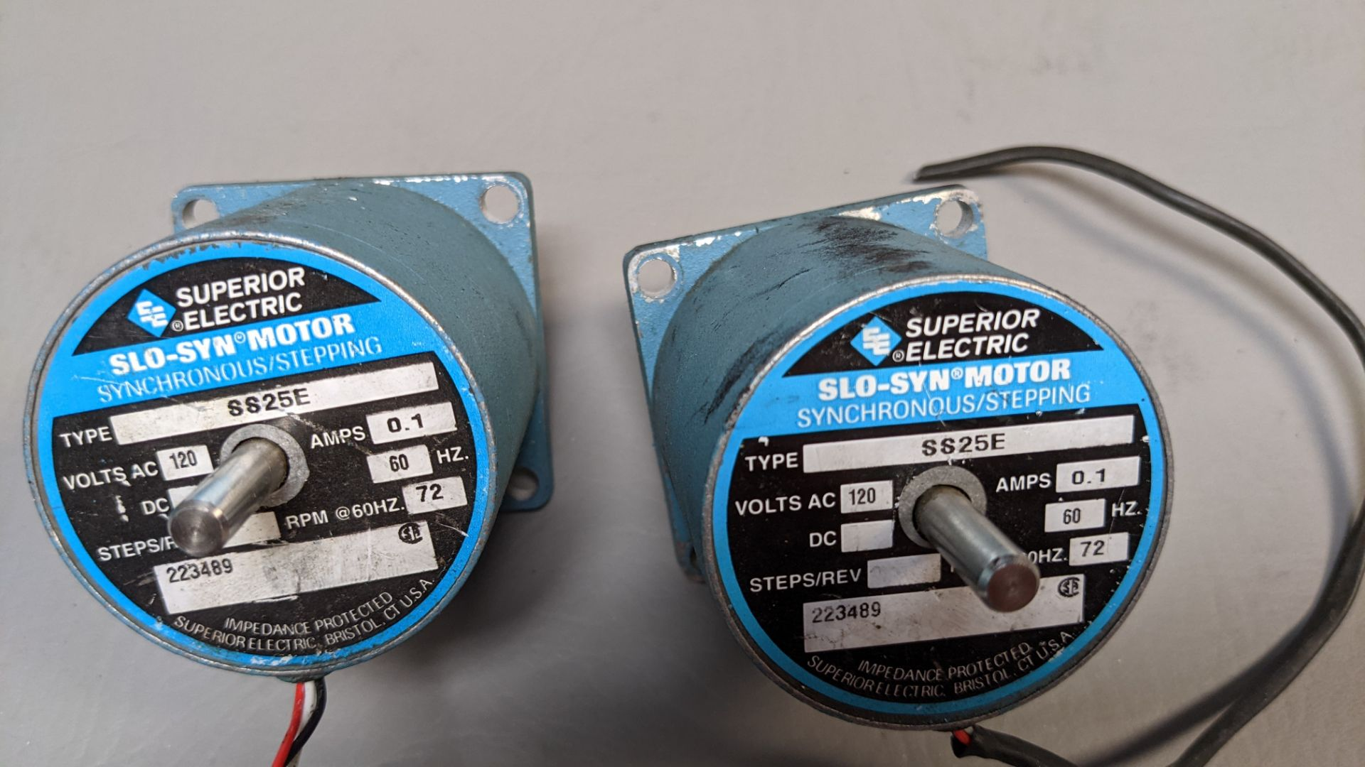 LOT OF 2 SUPERIOR ELECTRIC STEPPER MOTORS - Image 2 of 4