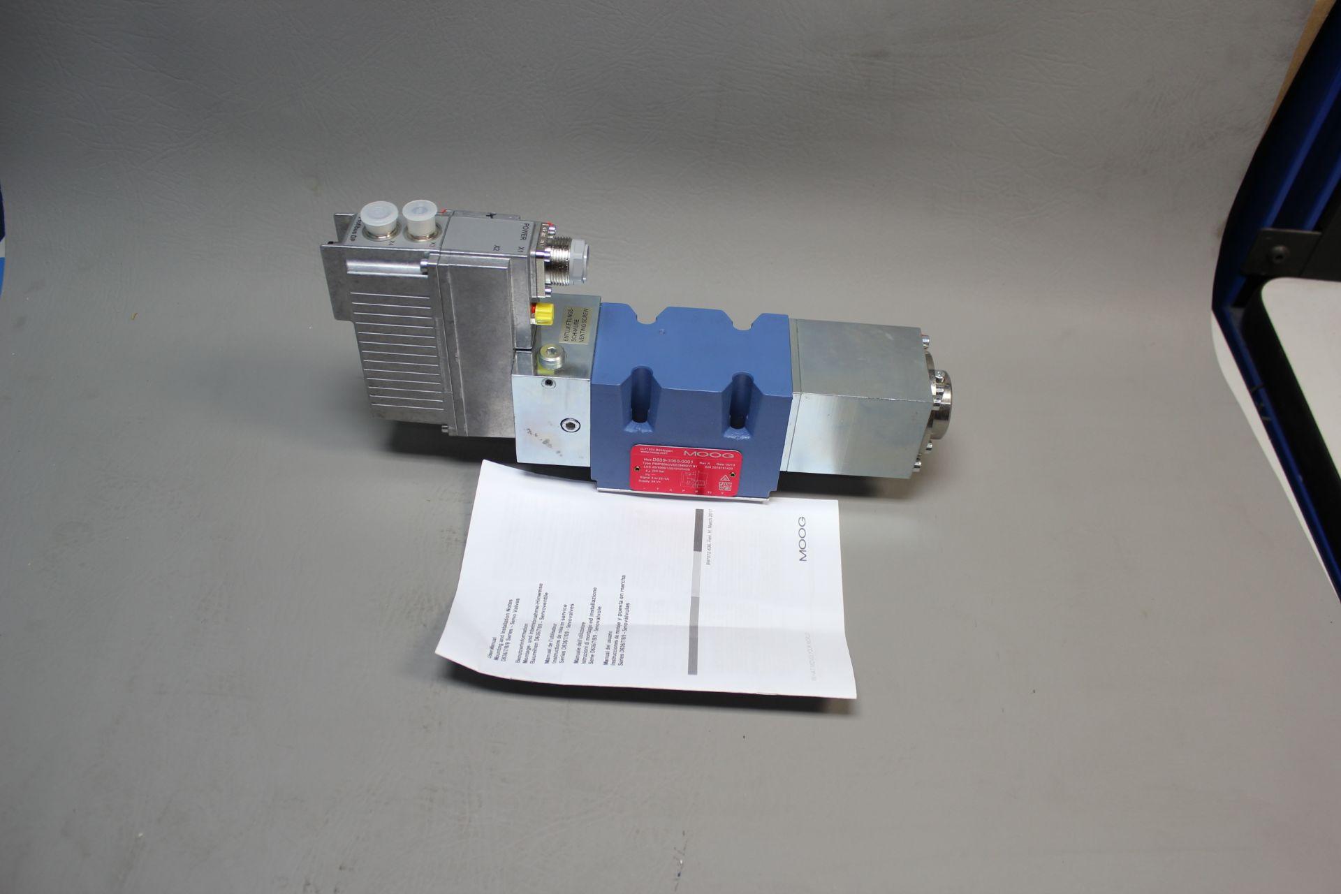 NEW MOOG DIRECT DRIVE DIGITAL CONTROL HYDRAULIC SERVO VALVE - Image 4 of 14